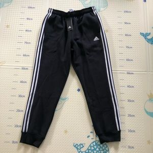 NWT Adidas men's essentials 3-stripes jogger pants